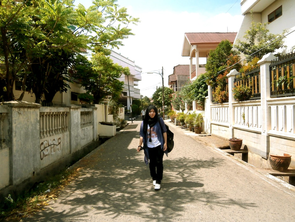 Independently Walking On the Jakarta Street