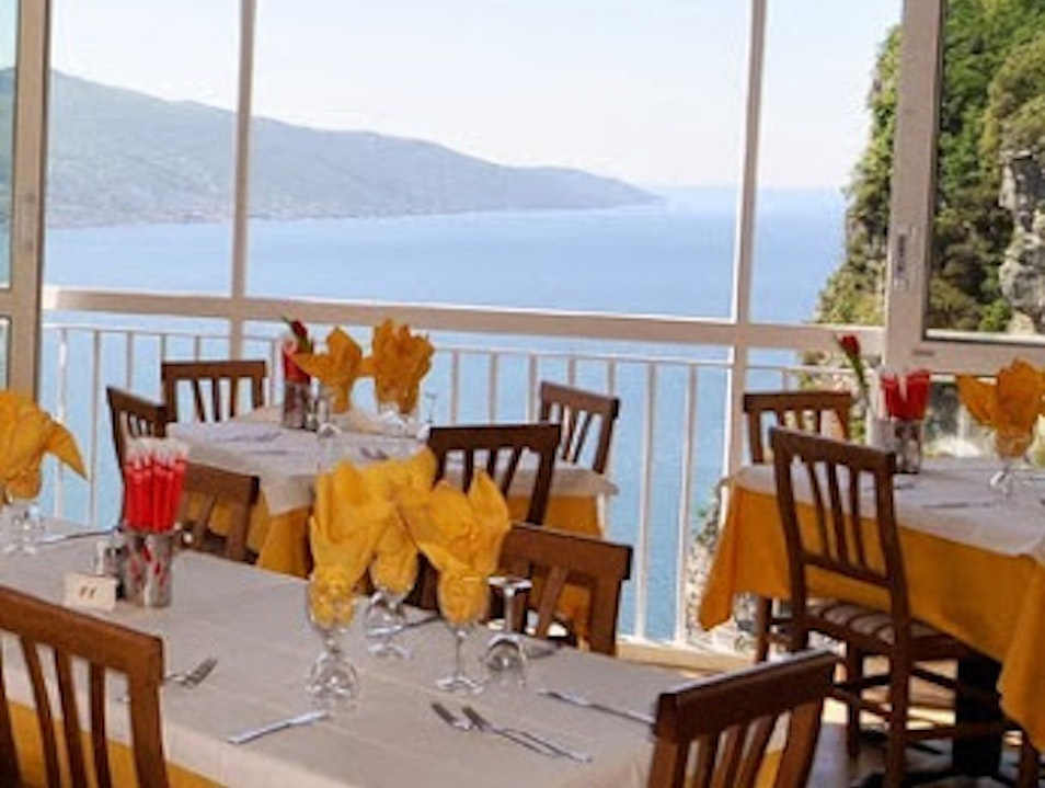Dining with Lake View Pieve  Italy