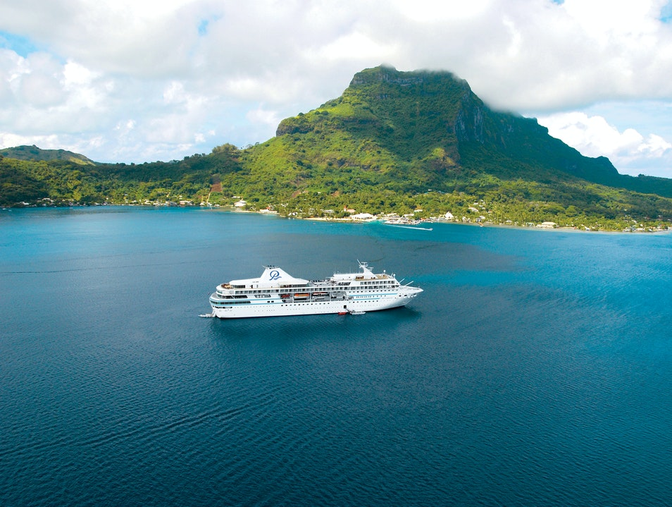 Paul Gauguin Cruises: Luxurious Small-Ship Voyages Îles Du Vent  French Polynesia