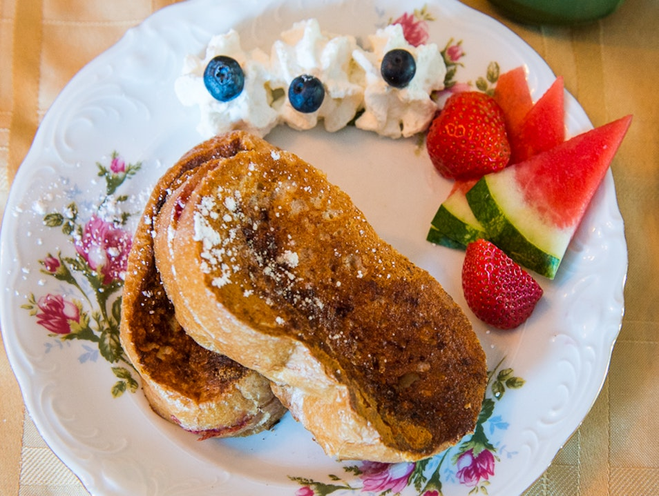 Zeke's Famous French Toast Breakfast Drumheller  Canada