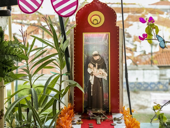 Lisbon's Smallest Saint Anthony Altar