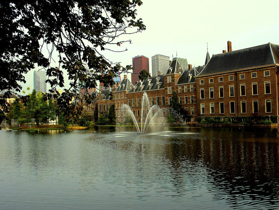 Den Haag: Where Money is Divided in The Netherlands