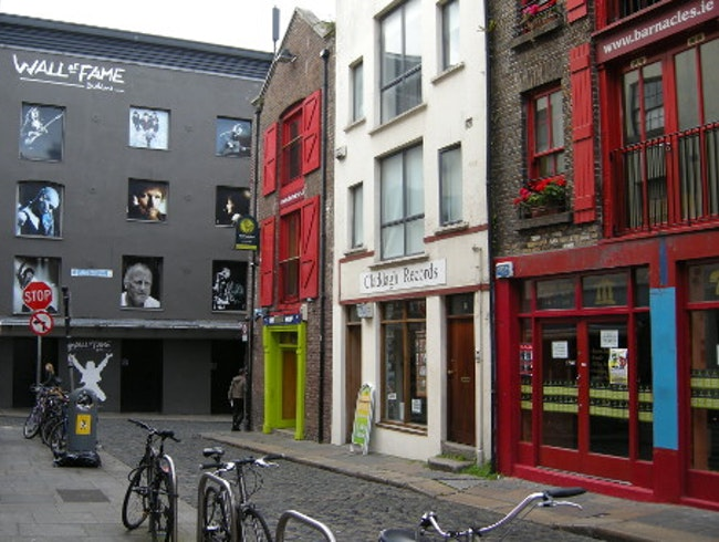 Dublin's Wall of Fame: Pay Homage to Ireland's Artists
