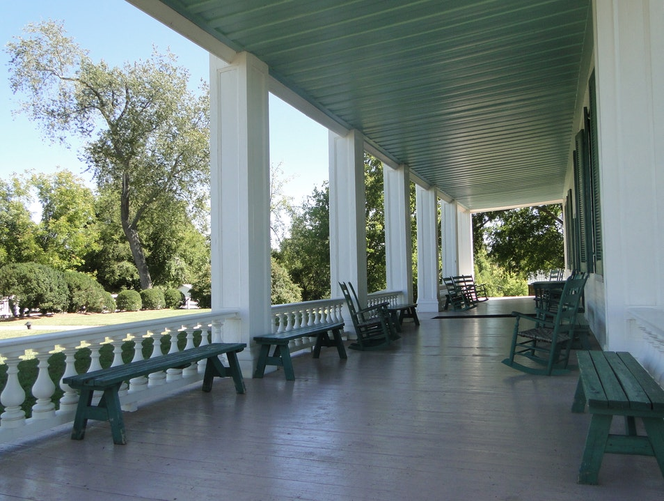 Deceptively Peaceful Plantation Living Franklin Tennessee United States