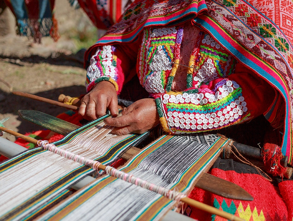 Learn to Weave in the Sacred Valley Castrovirreyna  Peru