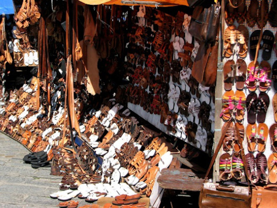 Ladeira da Barroquinha: leather paradise. Salvador  Brazil
