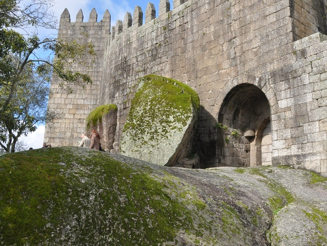 The Foundation of Portugal - A castle and its battles