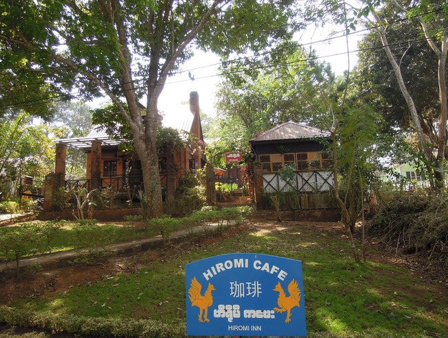 Cafe Living: Burmese Style