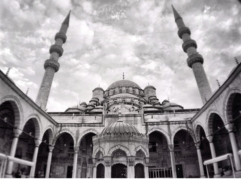 An Impressive Ottoman Imperial Mosque  Istanbul  Turkey