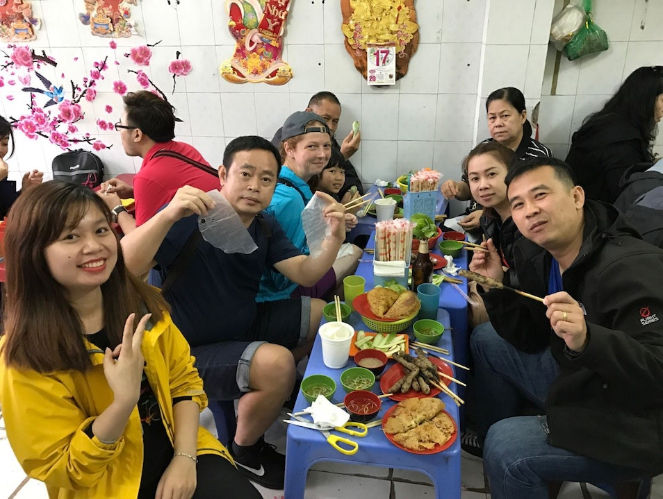 MY HANOI STREET FOOD TOUR WITH VIETNAM ECO TRAVEL – COME HUNGRY, LEAVE SATISFIED