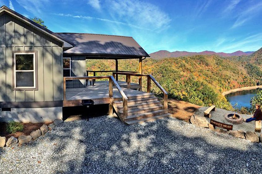 12 Dreamy Blue Ridge Mountain Cabins You Can Rent on Airbnb and Vrbo