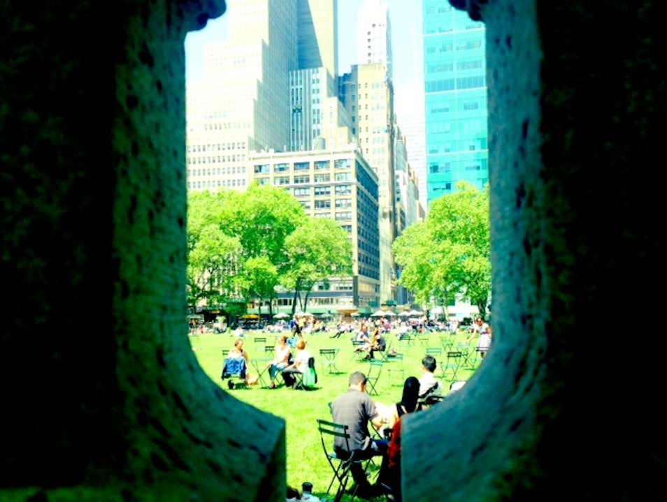 Best People Watching in NYC: Bryant Park