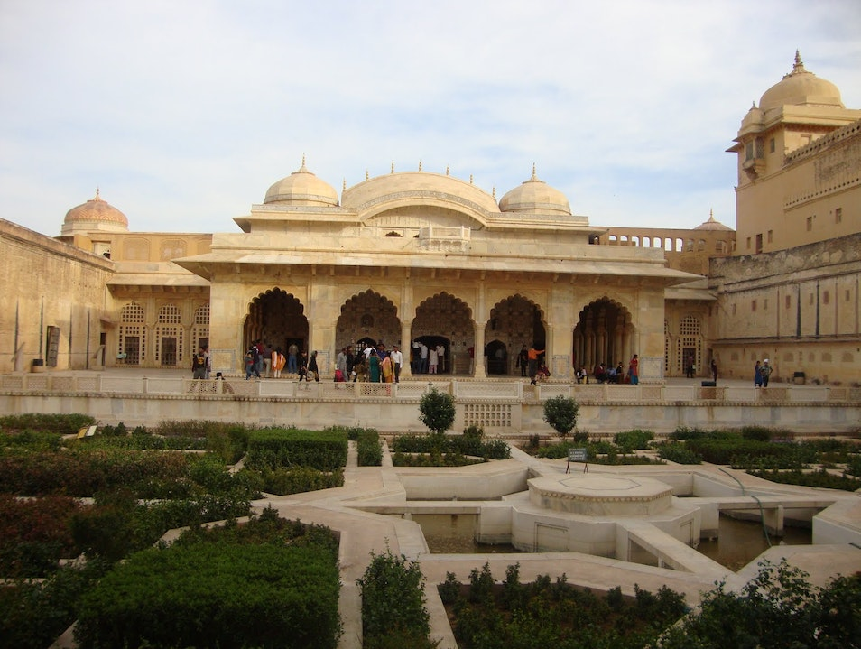 Jaipur City Sightseeing with Rajputana Cabs Jaipur  India
