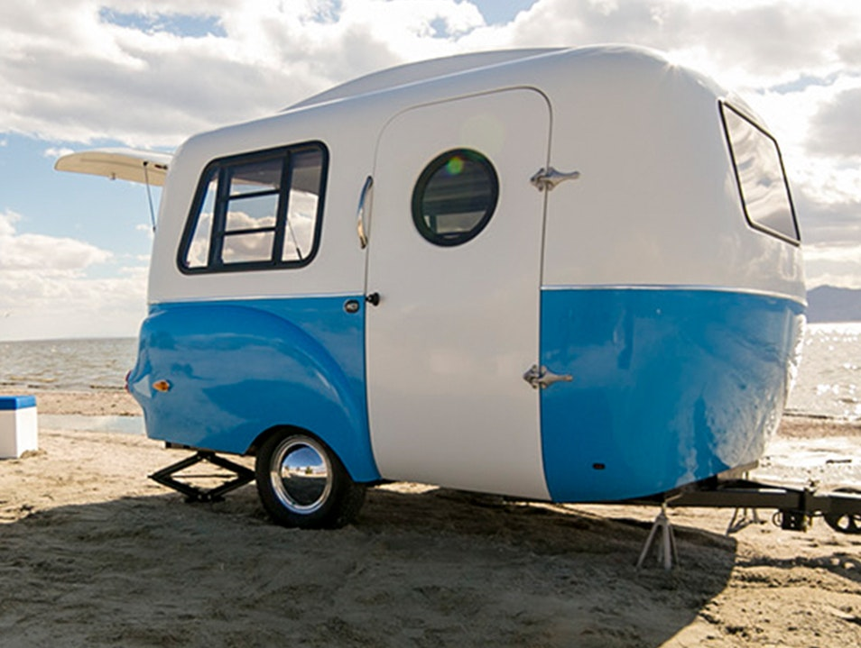 Take the Expense Out of Traveling By Renting a Small RV