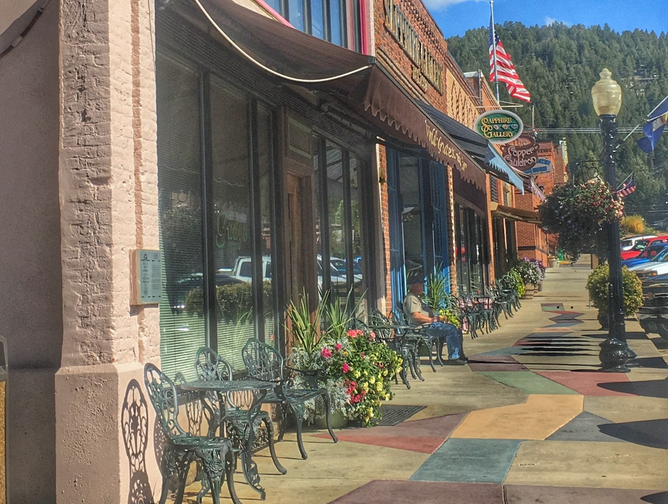 Travel Guide: Philipsburg, Montana - an old but lively West-mining town