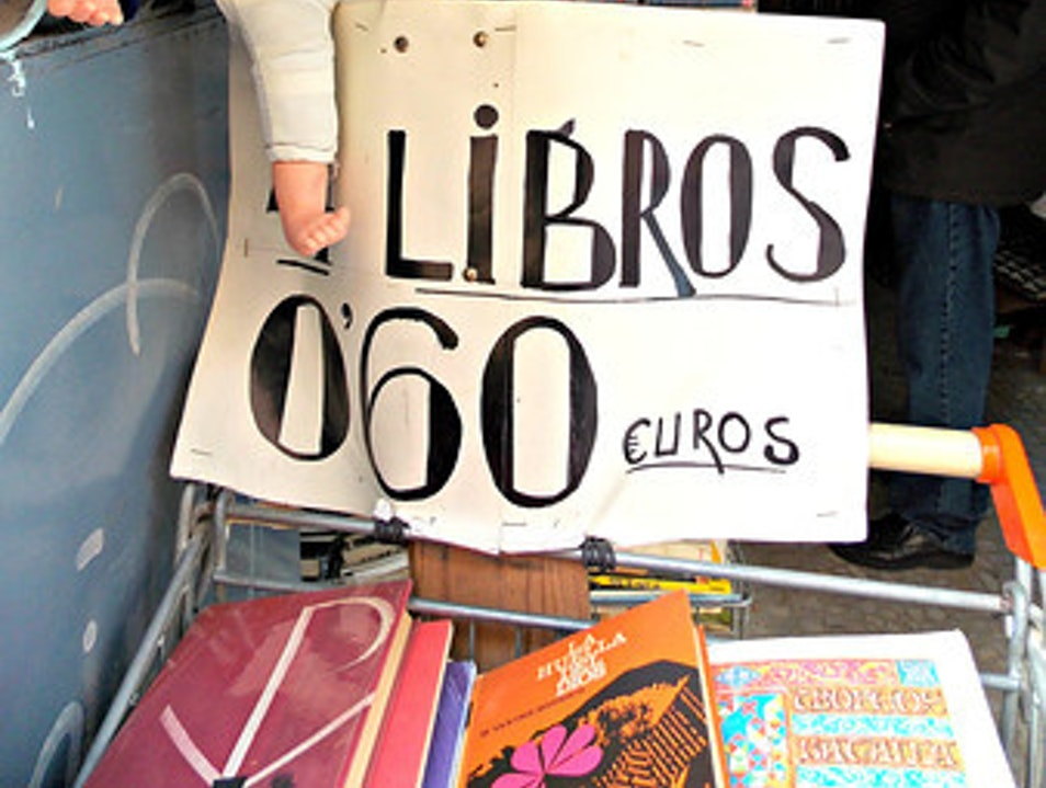 Finding a Bookshop in El Rastro Móstoles  Spain