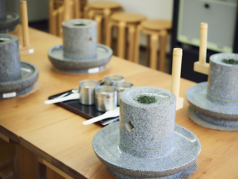 Authentic Tea Experience near Byodo-in Temple