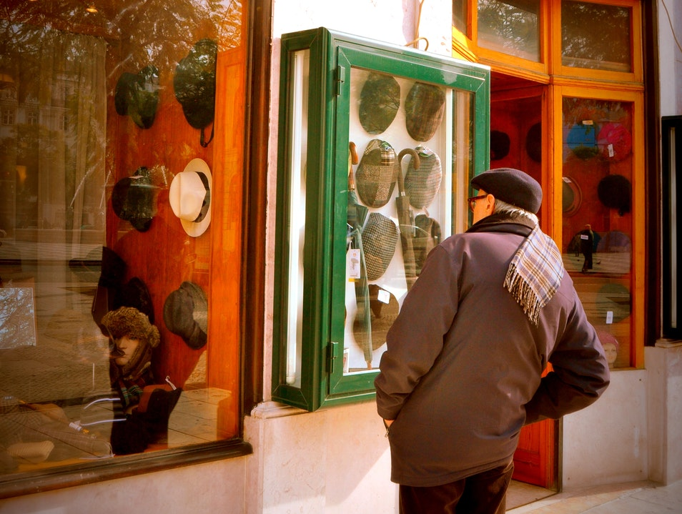 Finding a Hat or Beret Lisbon  Portugal