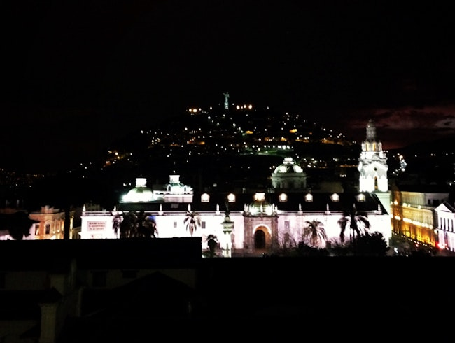 Quito, Touch The Sky