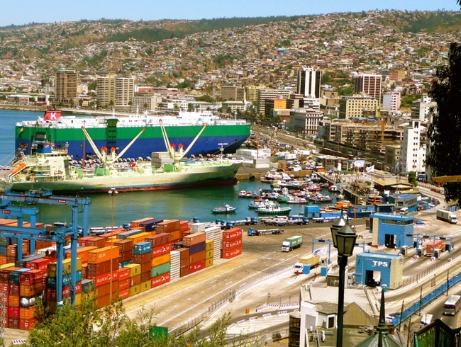 Sweeping view of the Valparaiso seaport