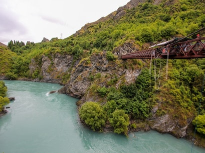 Kawarau Bridge Bungy - AJ Hackett Bungy Queenstown  New Zealand