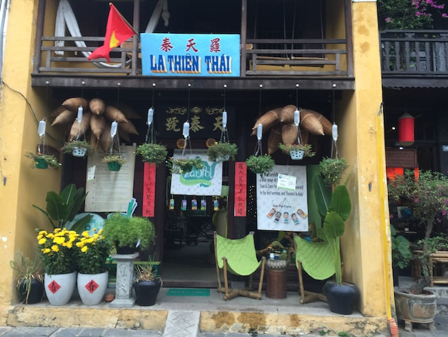 Hoi An Cocobana Tea Spot | Relaxation with Teas & Cups