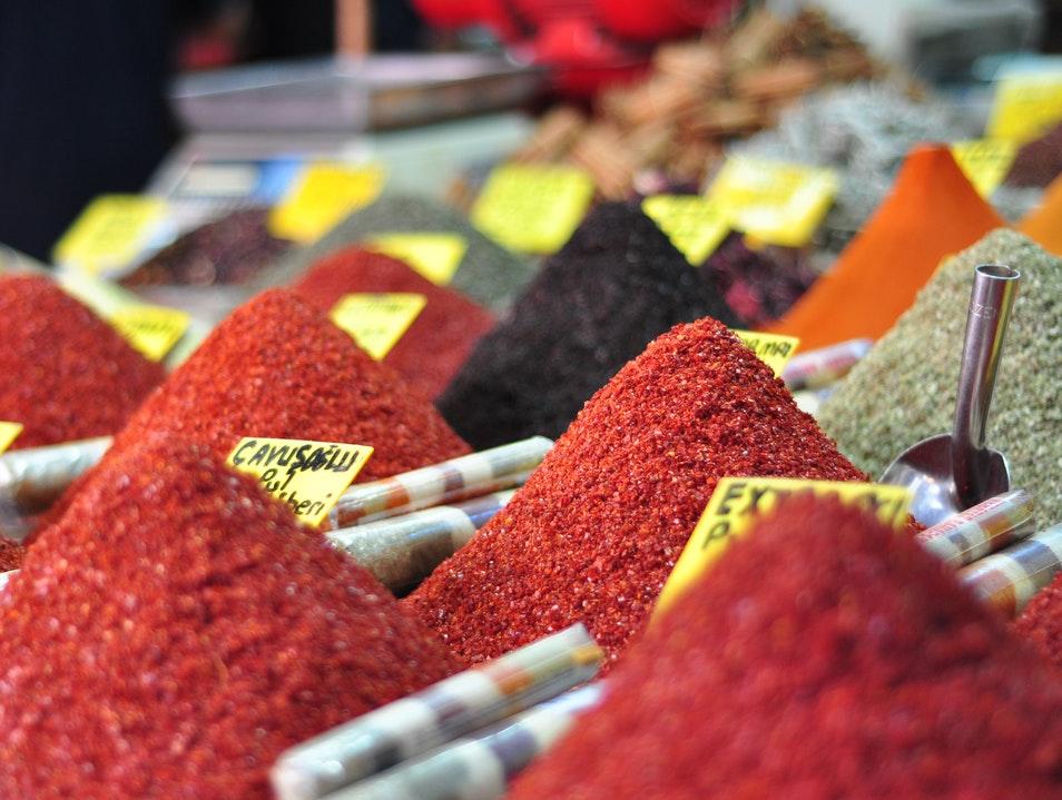Shopping for Spices Istanbul  Turkey