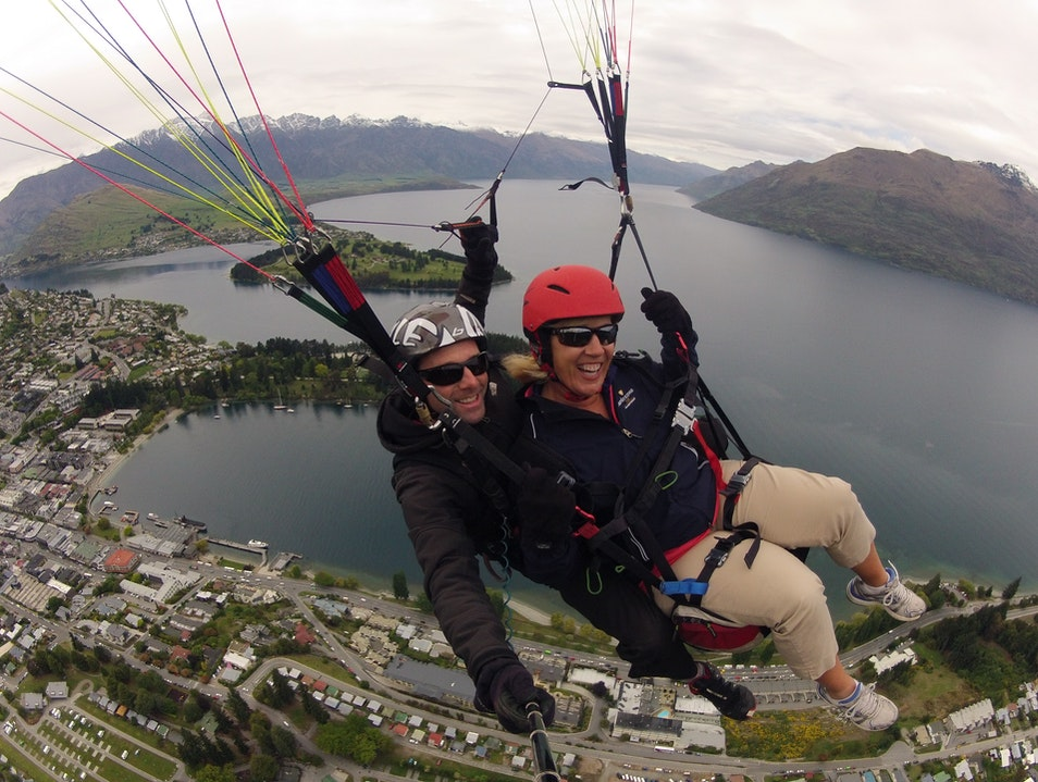 Paragliding in Queenstown, NZ Queenstown  New Zealand