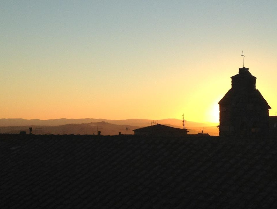 Watch the sun set over the Tuscan hills Serre di Rapolano  Italy