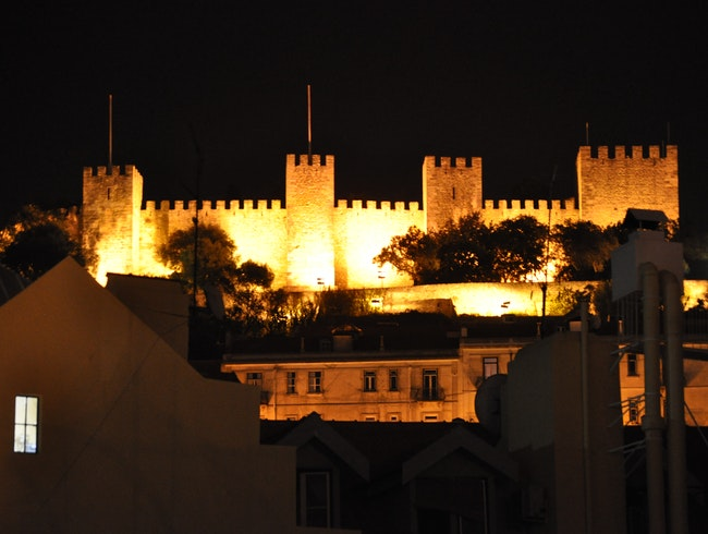 The Nighttime Magic of Castelo de Sao Jorge