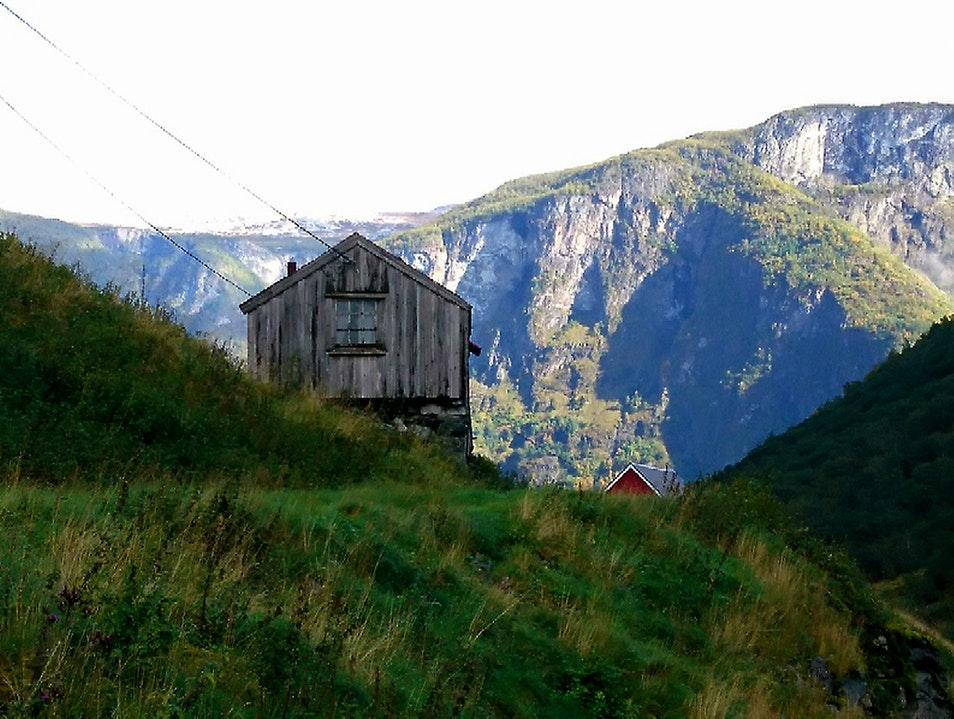 Explore Undredal by summer and winter!   Earth
