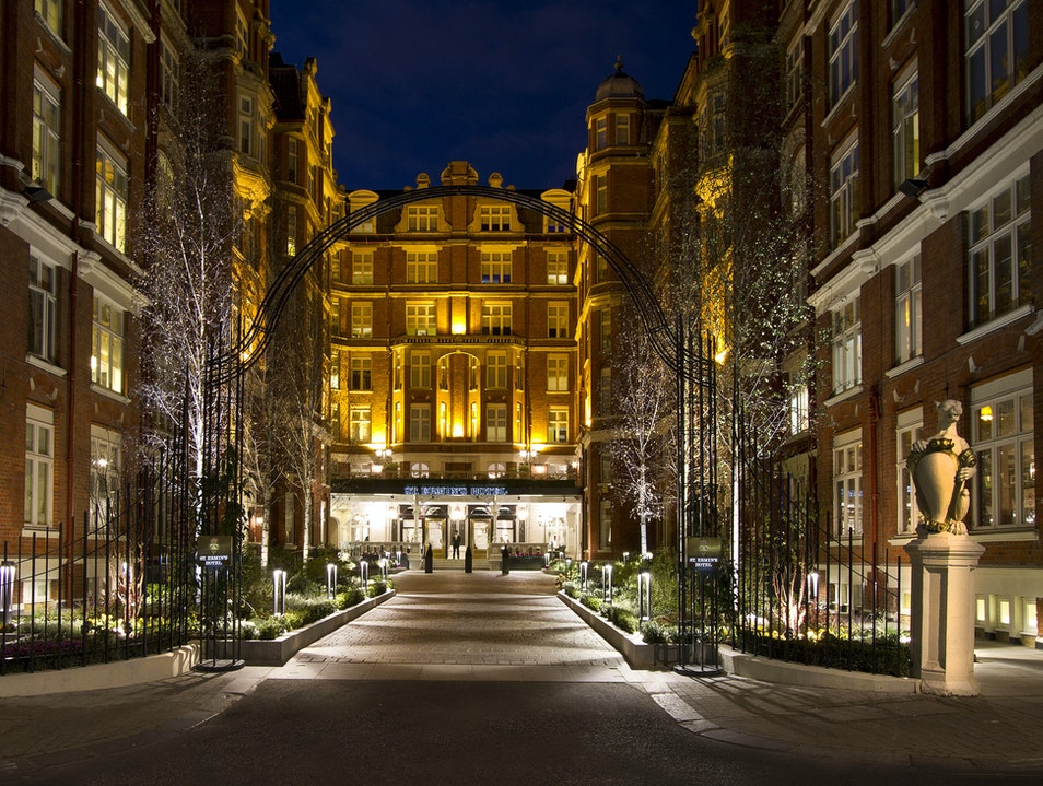 Explore Urban Beekeeping at London's St. Ermin's