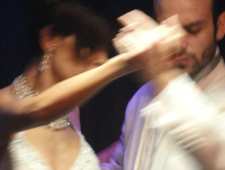 Rojo Tango: The Best Tango in the World Cmb  Argentina