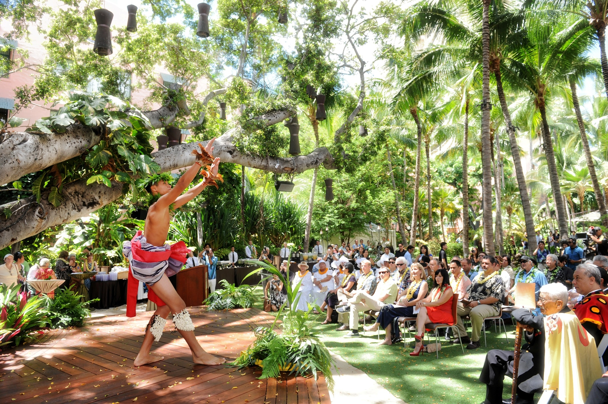 cultural synthesis in 'dream in hawaii' How to have an awesome solo trip in maui ultimate freedom in a place as raw and adventurous as hawaii sounded like a dream come true cultural experience.