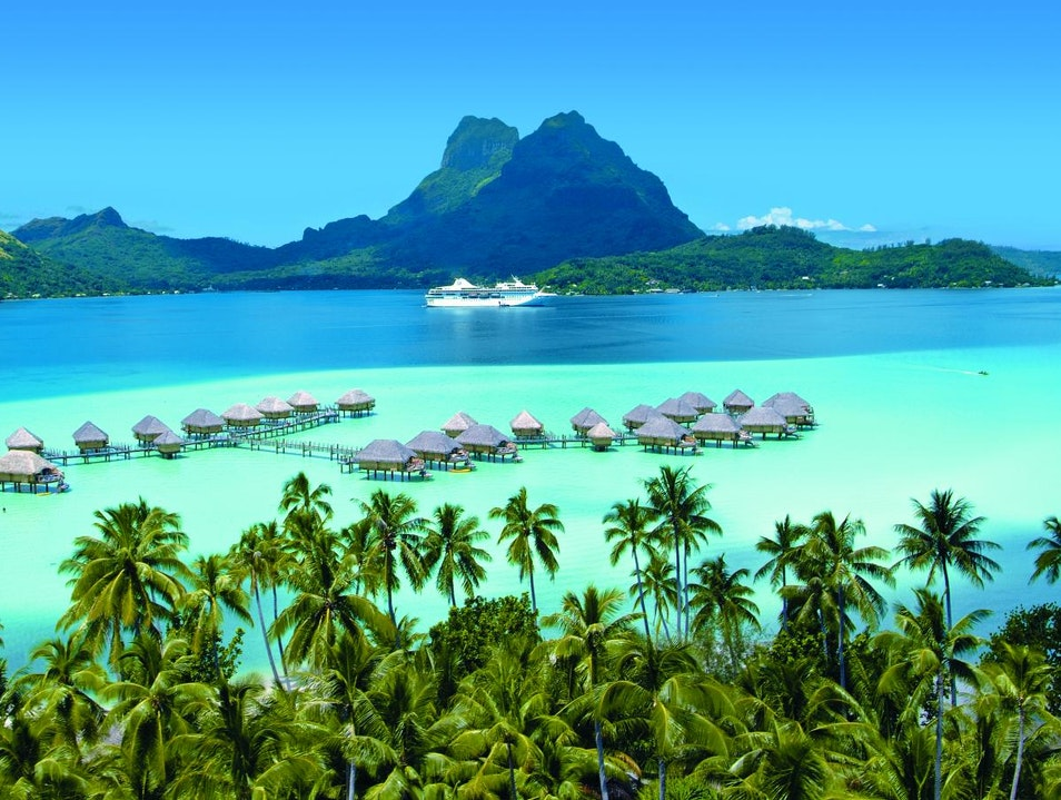 Bora Bora, Society Islands Îles Du Vent  French Polynesia