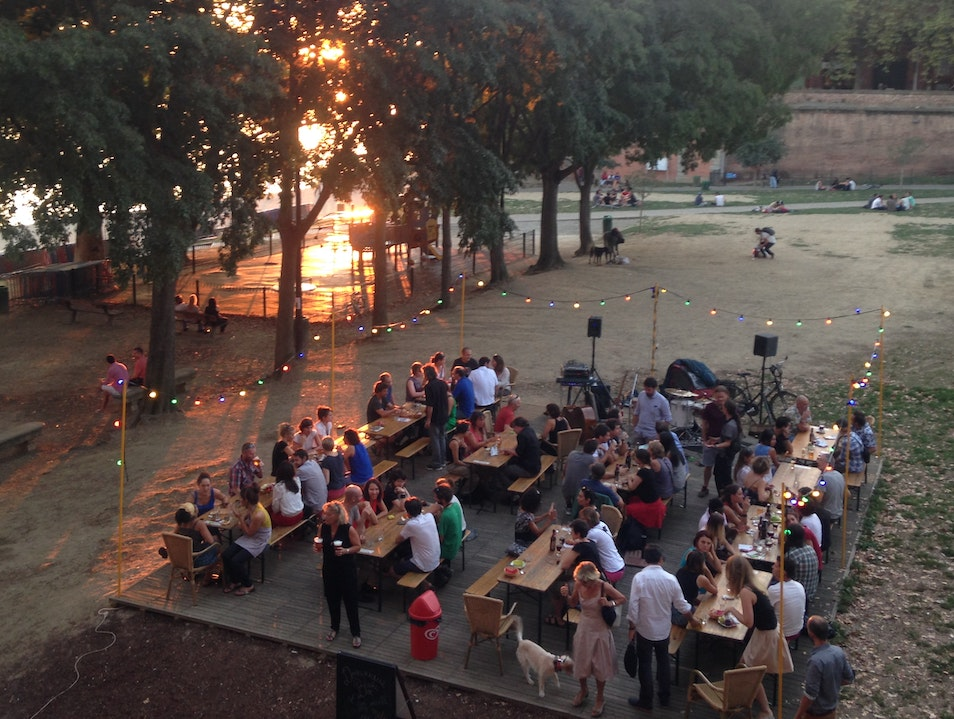 Happy Hour Gem in the Place de la Daurade  Toulouse  France