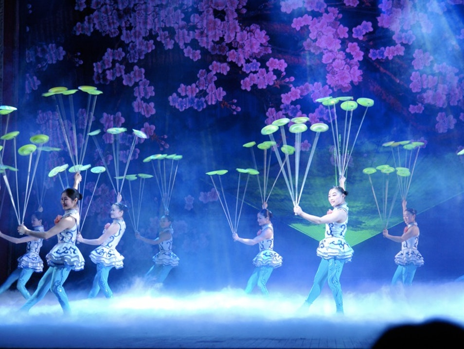 Watch Acrobats Strut Their Stuff on Stage Beijing  China
