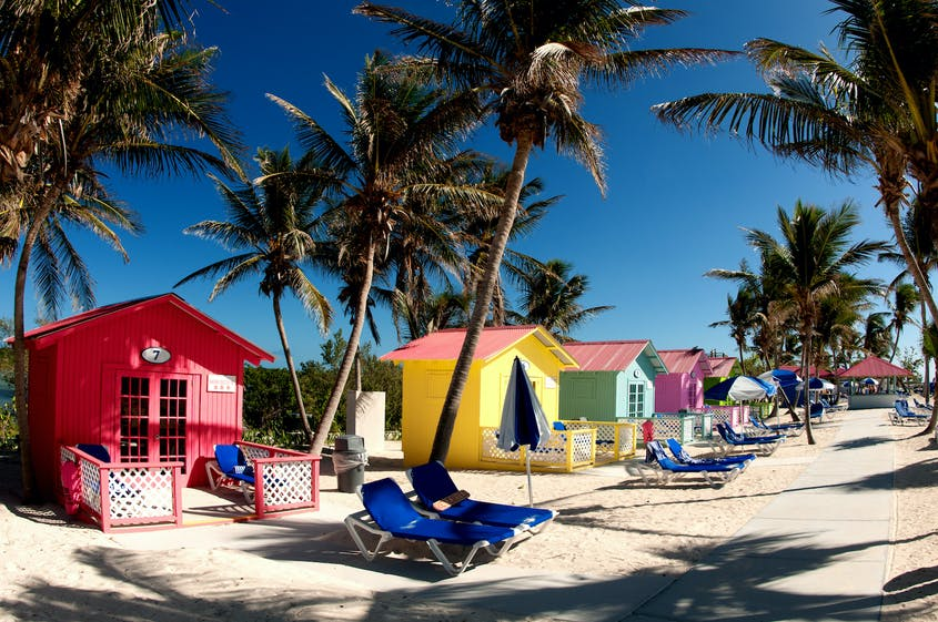 If you're vaccinated, a Bahamas getaway no longer requires COVID-19 testing.