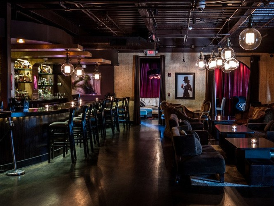 Sandy Springs' Hottest Cocktail Bar and Lounge