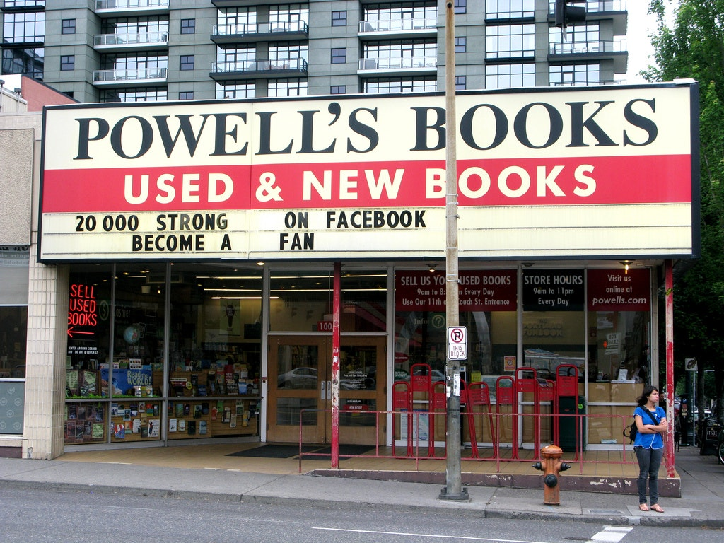Selling your books to Powell's Books Chicago. Powell's Books Chicago does buy used books from the general public as well as overstocks from other sources. We are quite selective about condition and we buy on a book-by-book basis. We will only be able to give you an offer on your books if we have seen them in person.