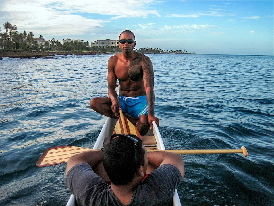 Paddle An Outrigger Canoe With A Kahuna