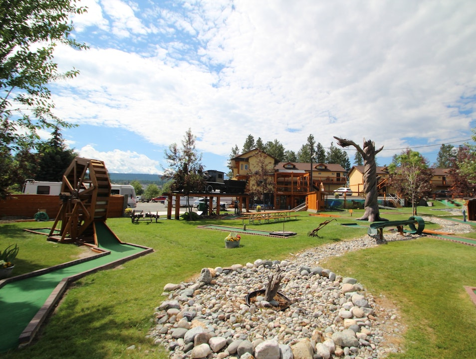Mini-golf, lakes and a good night's sleep Cranbrook  Canada