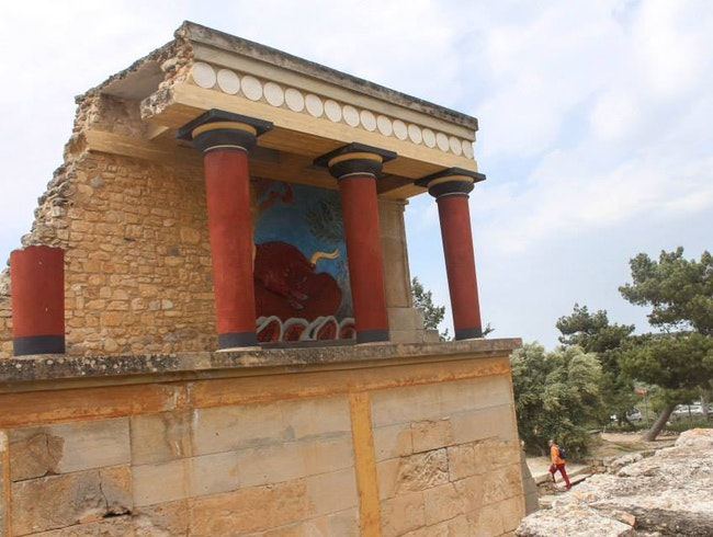 A Minoan Palace in Europe's Oldest City