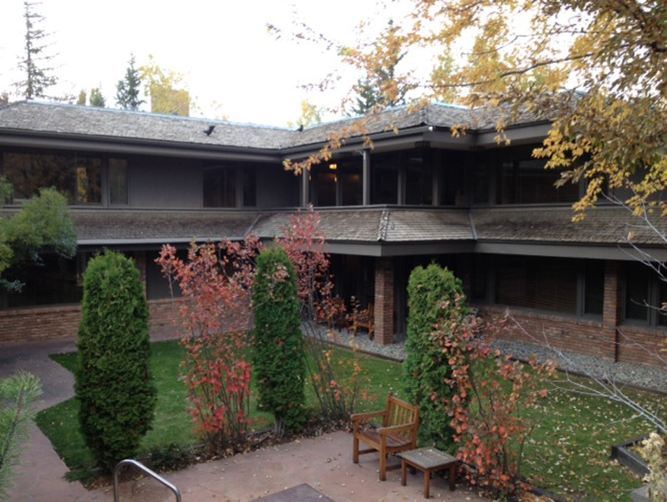Frank Lloyd Wright–Inspired Hotel  Aspen Colorado United States