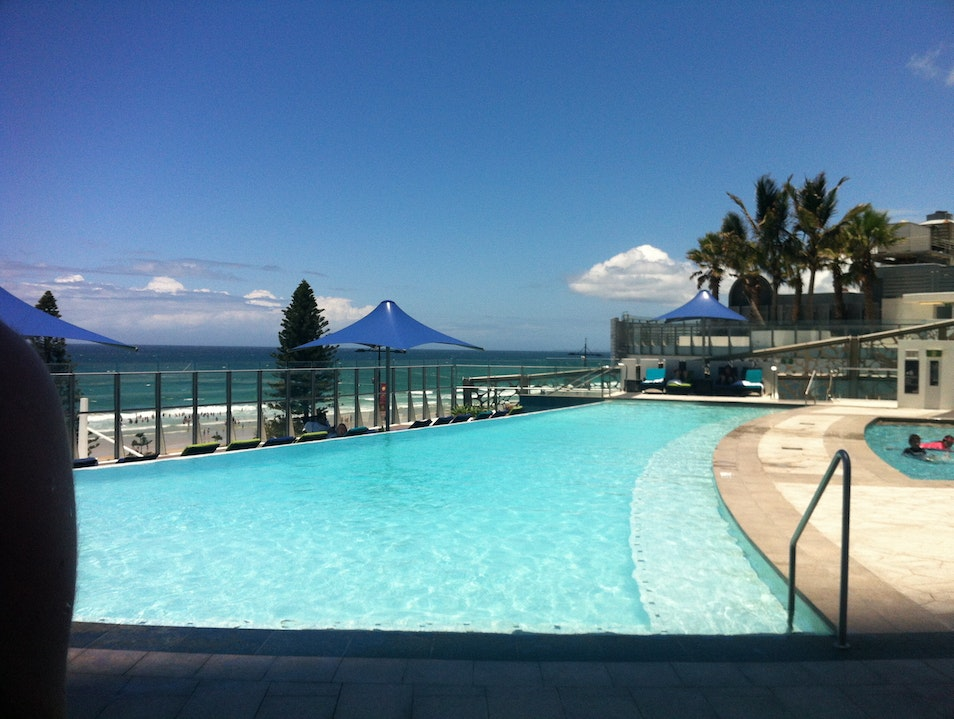 Ocean views & poolside cocktails in Surfers Paradise