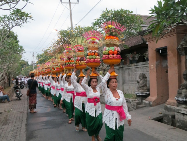 Watch a Procession