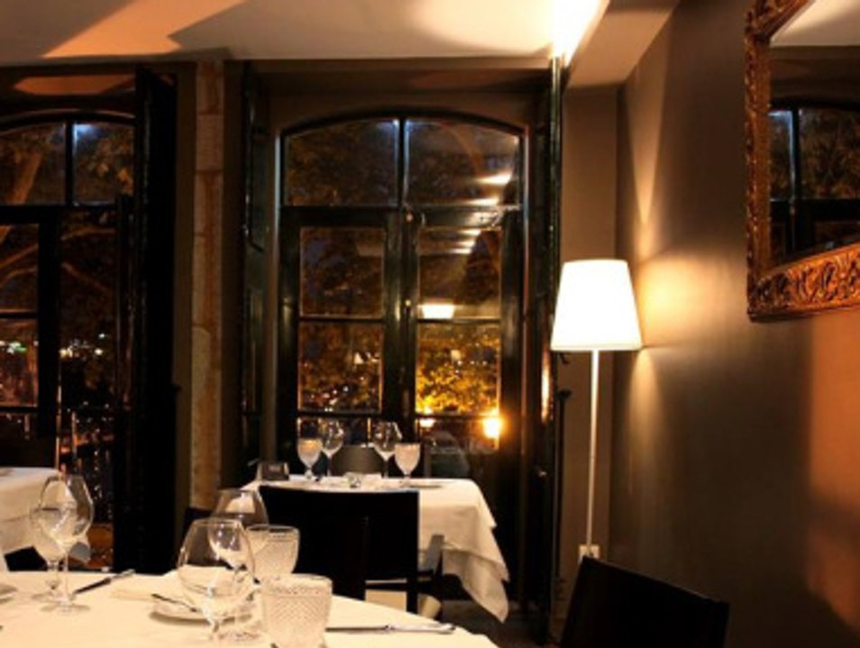 Cosy restaurant and wine bar