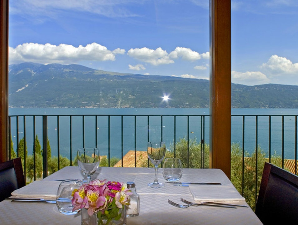 Hotel Meandro 3 star Lake Garda Gargnano