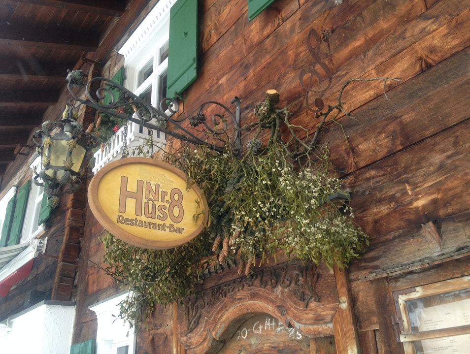 Classy Hut Dining in Lech