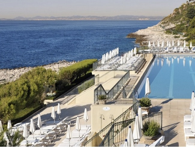 Four Seasons Luxury in a Historic Grande Dame Resort